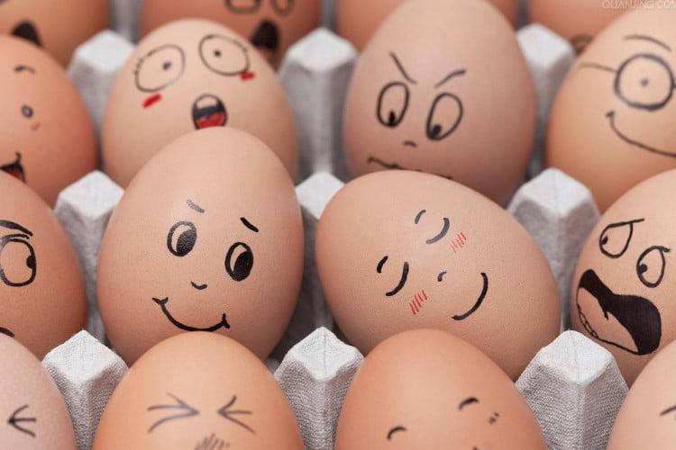 cuanta proteina tiene un huevo